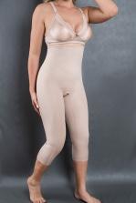 Cod. 4002 AL. BERMUDA ESTÉTICA ALTA COM PERNA LONGA COM FUNDO ABERTO. Previne a flacidez, celulite e gorduras localizadas no abdômen e auxilia na correção das marcas deixadas pelas calças baixas e modela a cintura. Evita o atrito entre as pernas.