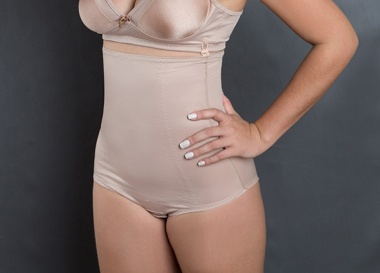 Cod. 4019 A. CALÇA ESTÉTICA CAVADA CINTURA ALTA. Com forro 100% algodão e reforço no abdomen. Previne a flacidez, celulite e gorduras localizadas no abdômen e auxilia na correção das marcas deixadas pelas calças baixas.